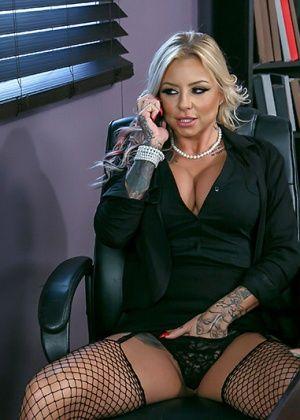 Britney Shannon - С боссом - Галерея № 3504247