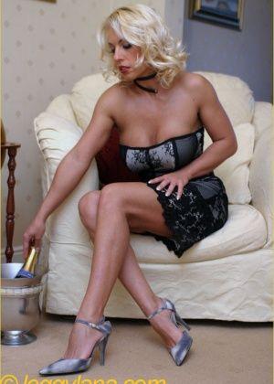 Lana Cox - Бутылки - Галерея № 3383258