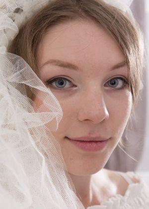 Волосатая пизда молодой невесты