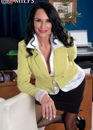 Rita Daniels - С боссом - Галерея № 3437493