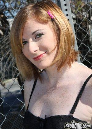 Allison Wyte - Буккаке - Галерея № 2676749