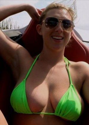 Brooke Wylde - В машине - Галерея № 3421727