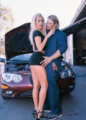 Sophie Evans, Sofia Evans - В машине - Галерея № 3456717