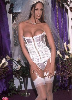 Nikki Nova, Nikki - Невесты - Галерея № 1129944