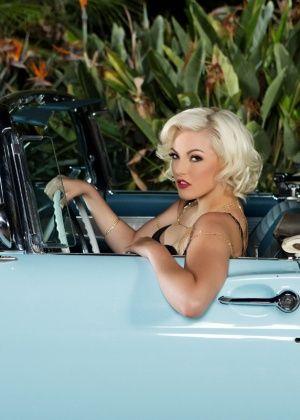 Jenna Ivory - В машине - Галерея № 3468986