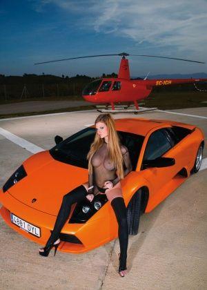 Tarra White - В машине - Галерея № 3449375