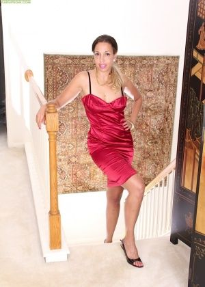 Josephine Jones - Крупным планом - Галерея № 3467087