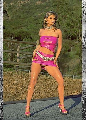 Amy Easton - В машине - Галерея № 3534423