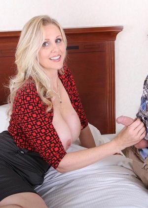 Julie Ann More - Сочные женщины - Галерея № 3546532