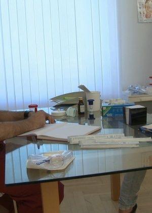 Joana - У врача - Галерея № 3436021