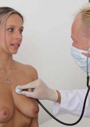 У врача - Галерея № 3427762
