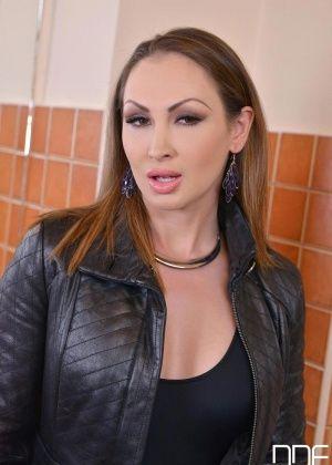 Yasmin Scott - Сочные женщины - Галерея № 3543530