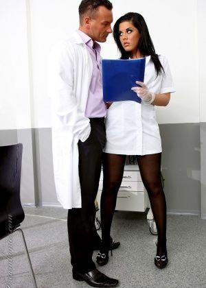 У врача - Галерея № 2400334
