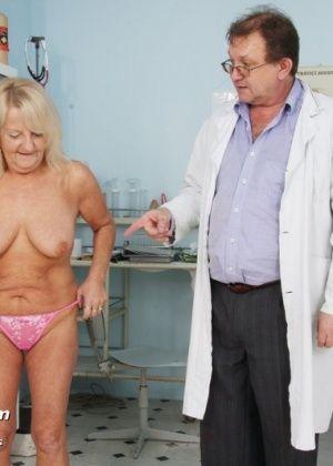 У врача - Галерея № 3011475