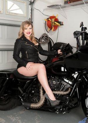 Vicky Vixen - Сочные женщины - Галерея № 3408560