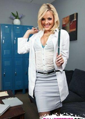 Alexis Texas - У врача - Галерея № 3076952