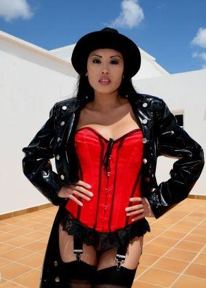 Danika Flores, Davon Kim - Филиппинки - Галерея № 3443381