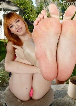 Anny Aurora - Дрочит ножками (футджоб) - Галерея № 3533507