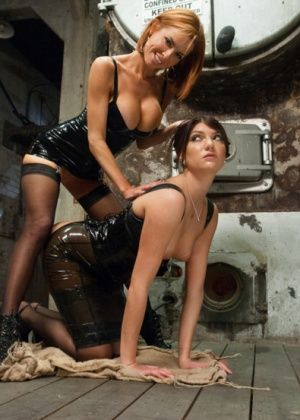 Veronica Avluv, Cassandra Nix - Клизма - Галерея № 3395170