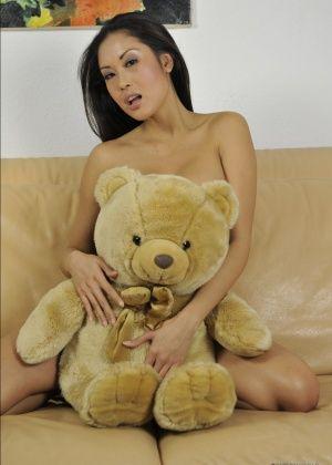 Danika Flores, Davon Kim - Филиппинки - Галерея № 3457818