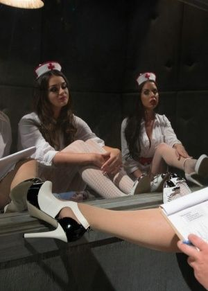 Krissy Lynn, Allie Haze, Amy Brooke, Brandy Aniston - Дрочит ножками (футджоб) - Галерея № 3314989