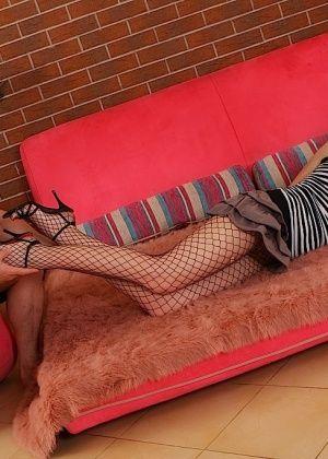 Дрочит ножками (футджоб) - Галерея № 2955877
