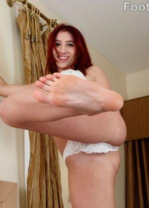 Addison Ryder - Дрочит ножками (футджоб) - Галерея № 3463929