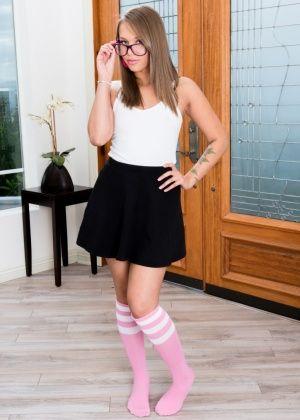 Liza Rowe - Сперма на лицо - Галерея № 3533473