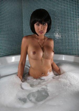 Danika Flores, Davon Kim - Филиппинки - Галерея № 3434334