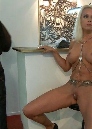 Sophie Logan, Steve Holmes - Немецкое - Галерея № 3416572