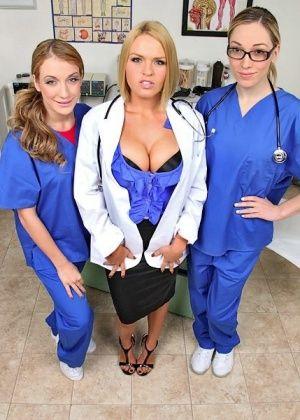 Krissy Lynn, Amy Brooke, Lily Labeau - Вчетвером - Галерея № 3397929