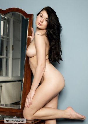 Lucy Lee - Французское - Галерея № 3439670