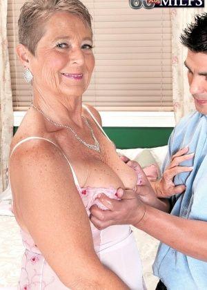 Joanne Price - Пожилые - Галерея № 3538818
