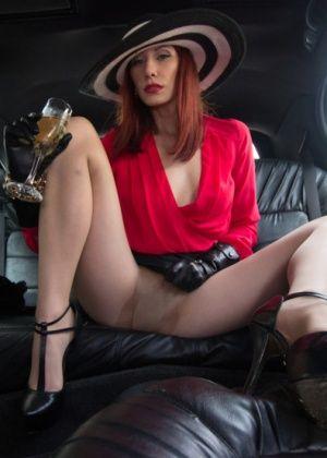 Maitresse Madeline, John Jammen - Дрочит ножками (футджоб) - Галерея № 3283179