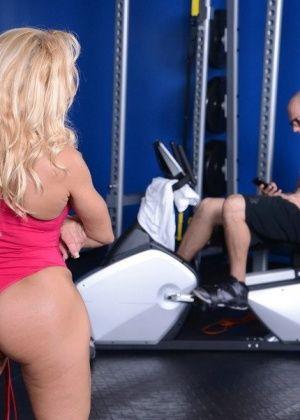 Gina West - В спортзале - Галерея № 3430603