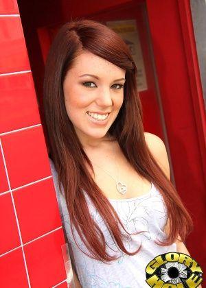Lizzie Tucker - Глорихол - Галерея № 2985203