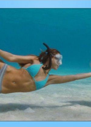 Jessica Alba - В спортзале - Галерея № 2907428