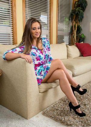 Cassidy Klein, Bridget Bond - На каблуках - Галерея № 3484497