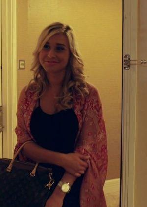 Kennedy Leigh - В гостинице - Галерея № 3428023
