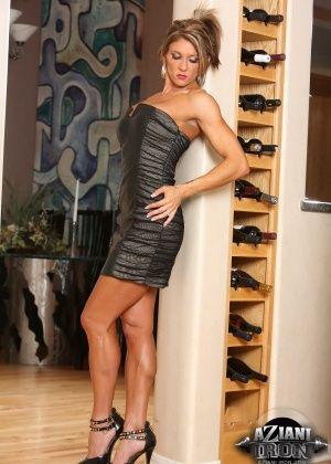 Abby Marie - В спортзале - Галерея № 3444479