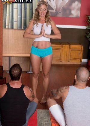 Jenna Covelli - В спортзале - Галерея № 3374156