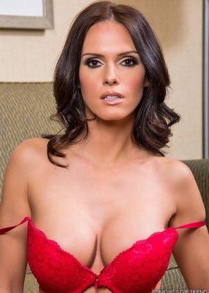 Jennifer Dark - В гостинице - Галерея № 3485537