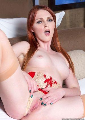 Marie Mccray - В гостинице - Галерея № 3414447