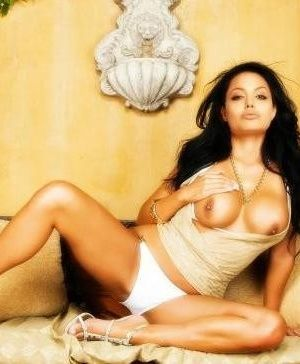 Angelina Jolie - На каблуках - Галерея № 3132735