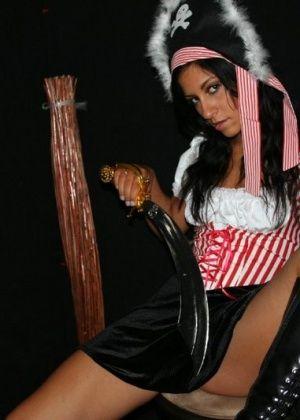 Raven Riley - Индийское - Галерея № 1648374