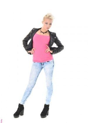 Tricia Teen - Джинса - Галерея № 3500916