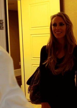 Nicole Aniston - В гостинице - Галерея № 3426427