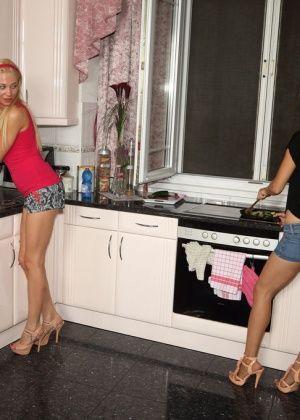 Lindsey Olsen - На кухне - Галерея № 3443126