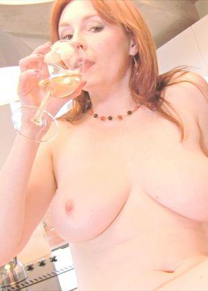 Elli Nude - На кухне - Галерея № 3531214