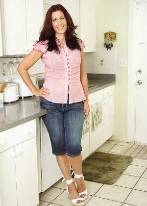 На кухне - Галерея № 3416878